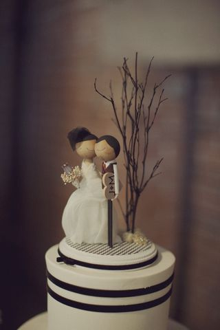 diy natural wedding cake topper diy wood wedding cake topper the budget savvy 13612